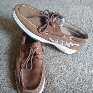 Sperry's Sz 3.5 Intrepid Topsider leopard print
